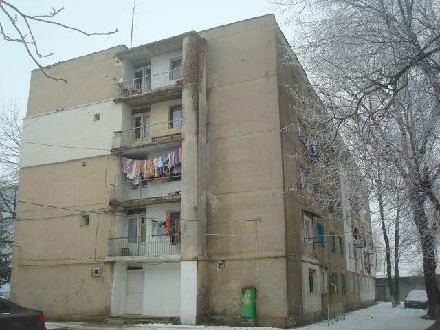 Camera de camin, 25mp, Bacău, str. Narciselor, nr.12, sc.A, ap.417